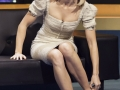 emily blunt sexy nohy 2