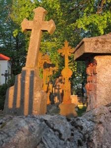 Tajuplný kostelní hřbitov v Matějovci by mohl vyprávět příběhy