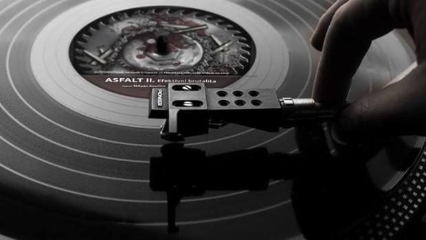 Audiokniha Asfakt_retro_ grafika Petr Šimčík