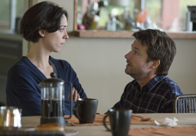 (L-R) REBECCA HALL and JASON BATEMAN star in THE GIFT FACEBOOK.COM/GIFTMOVIE  TWITTER@GIFTMOVIE  INSTAGRAM@GIFTMOVIE  #GIFTMOVIE