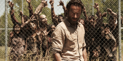 the-walking-dead-andrew-lincoln-zombie-wall-02-636-370- zombíci