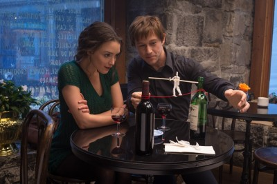 Annie (Charlotte Le Bon) and Philippe Petit (Joseph Gordon-Levitt) in TriStar Pictures' THE WALK.