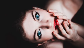 blue-eyes-237438_960_720